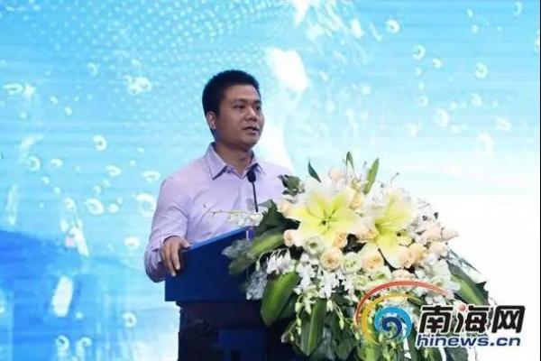 快帮云董事长兼CEO洪东升获聘海南省创业导师,并作为创业导师代表为创业大赛启动发言